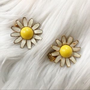 Vintage 70s Daisy Clip on Earrings
